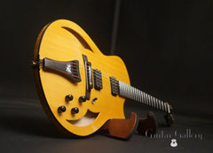 Marchione semi-hollow deluxe archtop glam shot