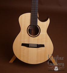 Marchione OMc guitar Swiss spruce top