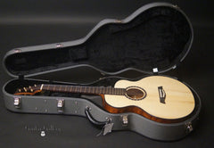 Osthoff FS 13-16 guitar inside case