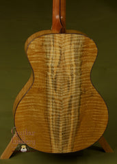 Stehr Guitar: Lucky Strike Redwood Top Auditorium