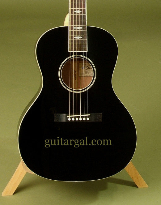 Recording King Guitar: Black Ltd Ed Troubadour