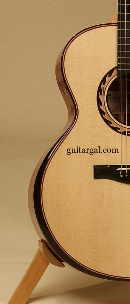 Maingard Guitar: Used Pink Ivory OM