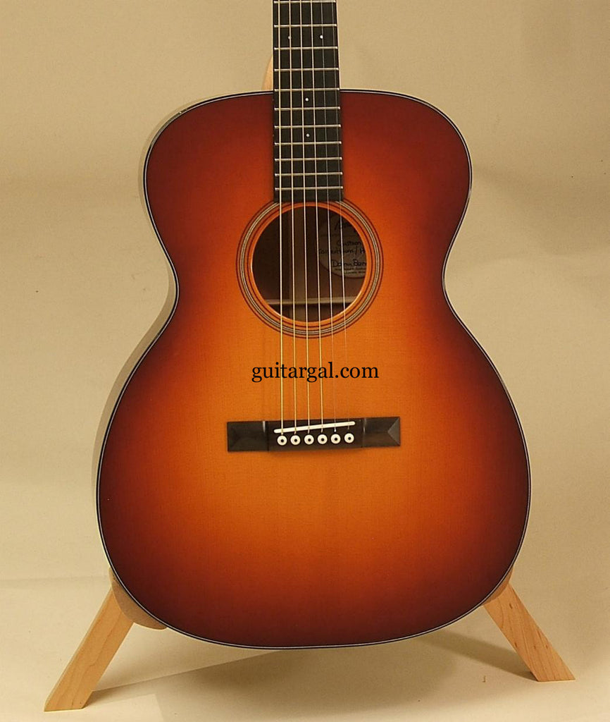 Bourgoeis Guitar: Used Sunburst Custom OM Carpathian/Hide Glue