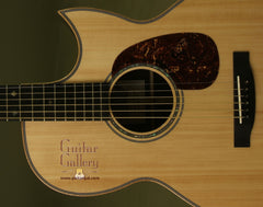 Froggy Bottom Guitar: Adirondack Top B12 Baritone