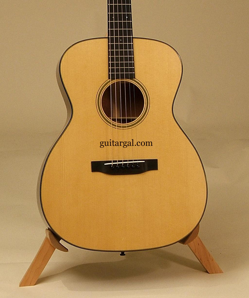 MERRILL Guitar: Used Mahogany OM-18