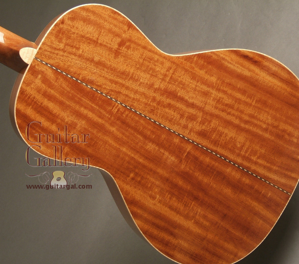 Square Deal Guitar Co. Guitar: Beeswing Mahogany 00