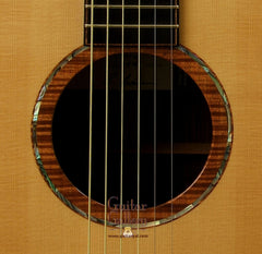 Lowden Guitar: Alpine Spruce Top F35cx