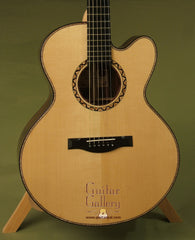 Maingard Guitar: Used Brazilian Rosewood GC Cutaway