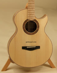 Mannix Guitar: Figured KOA OMC-12