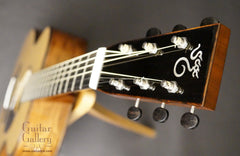 Santa Cruz OM guitar headstock