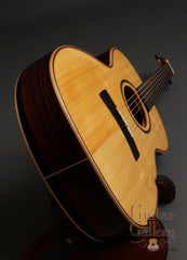 Sobell Guitar: New World Model (2010)