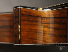 Tony Vines SX guitar binding detail