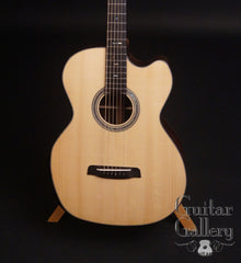Zimnicki baritone guitar Red spruce top