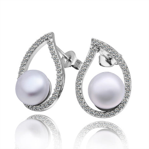 "Ashley ""Dream"" Pearl Earrings - Cate & Chloe  - 1"