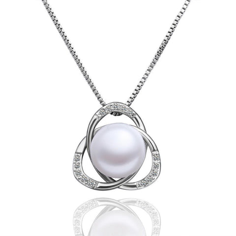 "Necklace,Jewelry - Lucy ""Light"" Pearl Pendant Necklace"