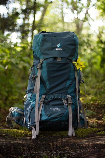 Deuter ACT Lite 60+10 SL Pack Rental