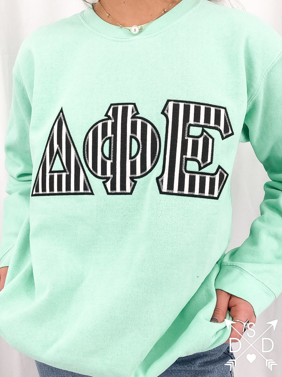[Ready-To-Ship] Delta Phi Epsilon Sonya Embroidered Sweatshirt - S Island Reef