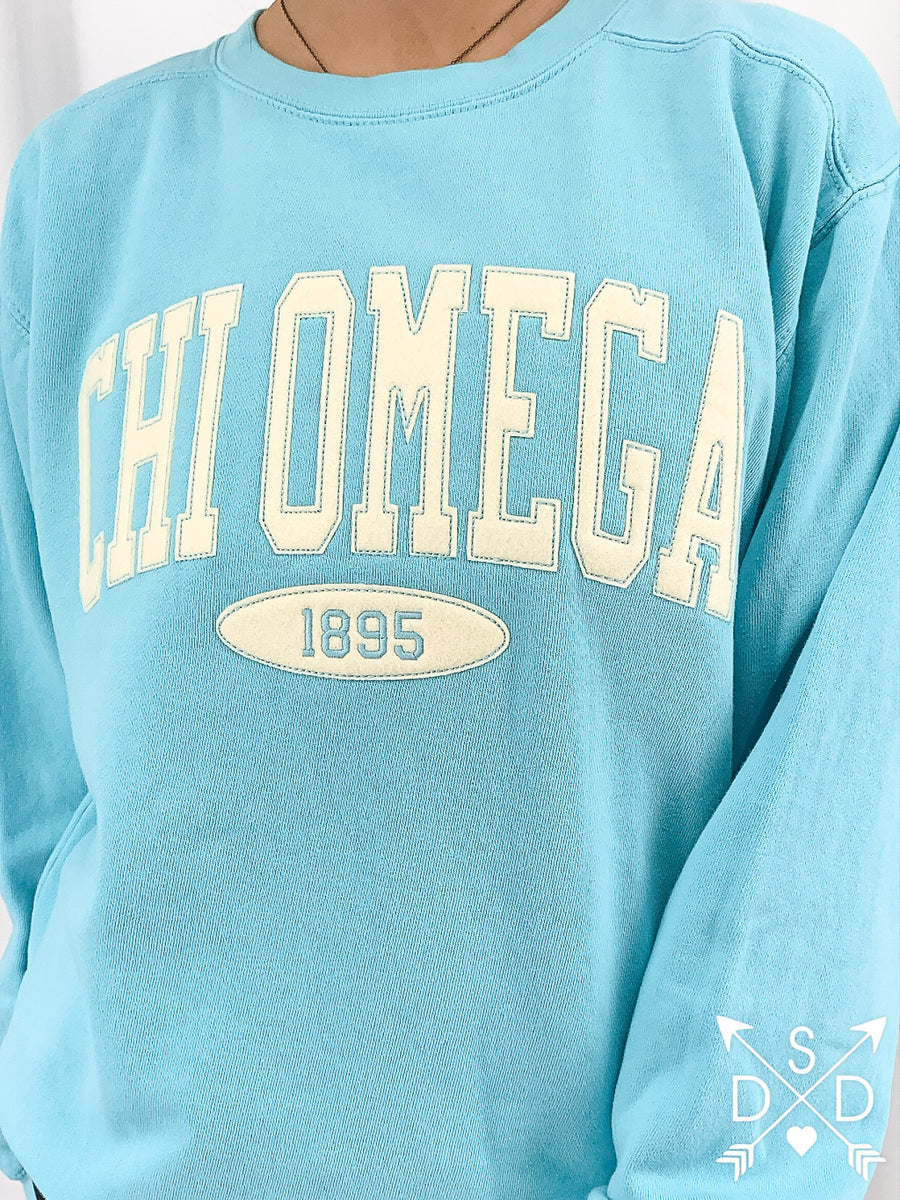 [Ready-To-Ship] Chi Omega Embroidered Crew - S