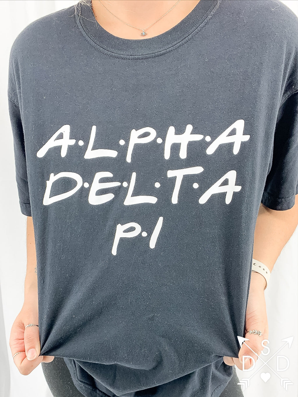 [Ready-To-Ship] Alpha Delta Pi Friends Tee - M