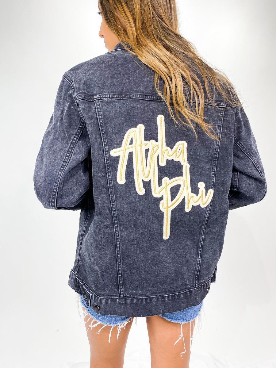 [Ready-To-Ship] Alpha Phi Izzy Embroidered Denim Jacket - Black - M