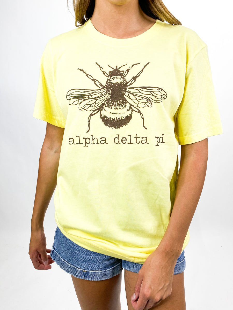 [Ready-To-Ship] Alpha Delta Pi Bee Tee - Yellow - M