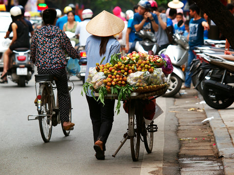 Travelbay Blog - How to cross the road in Vietnam
