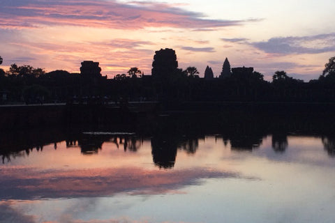 Travelbay Customer Reviews - Neville Pollard in Vietnam - Angkor Wat