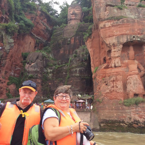 Travelbay Customer Reviews - Ray & Rose Schmidt in China - Big Buddha, Leshan
