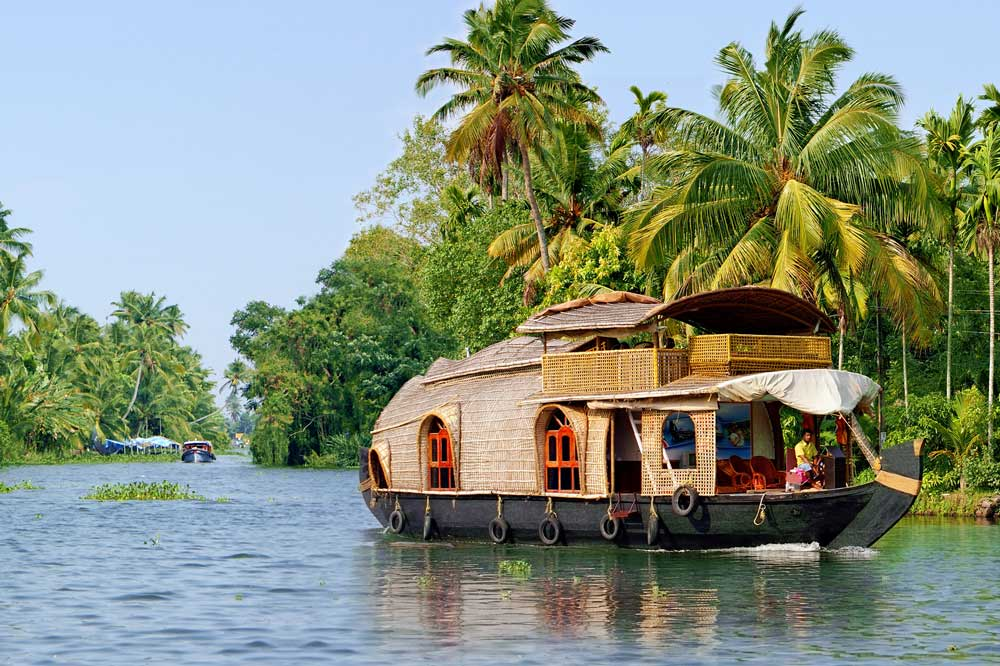 Travelbay India Tours - 7 Day Irresistible Kerala Tour - India Small Group Tours - Houseboat, Alleppey