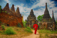 Travelbay Myanmar Tours - 14 Day Best of Burma Tour with 4 Night River Cruise and 2 Flights - Myanmar Private Tours - Monk in Bagan, Myanmar