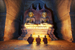 Travelbay Myanmar Tours - 10 Day Magical Myanmar Tour including 4 Night Cruise - Myanmar Private Tours - Monks in Bagan, Myanmar