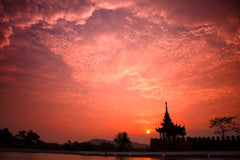 Travelbay Myanmar Tours - 10 Day Magical Myanmar Tour including 4 Night Cruise - Myanmar Private Tours - Sunset, Mandalay