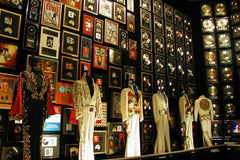 Travelbay USA Tours - 11 Day Deep South Tour - New Orleans, Nashville & Memphis - Graceland, Memphis