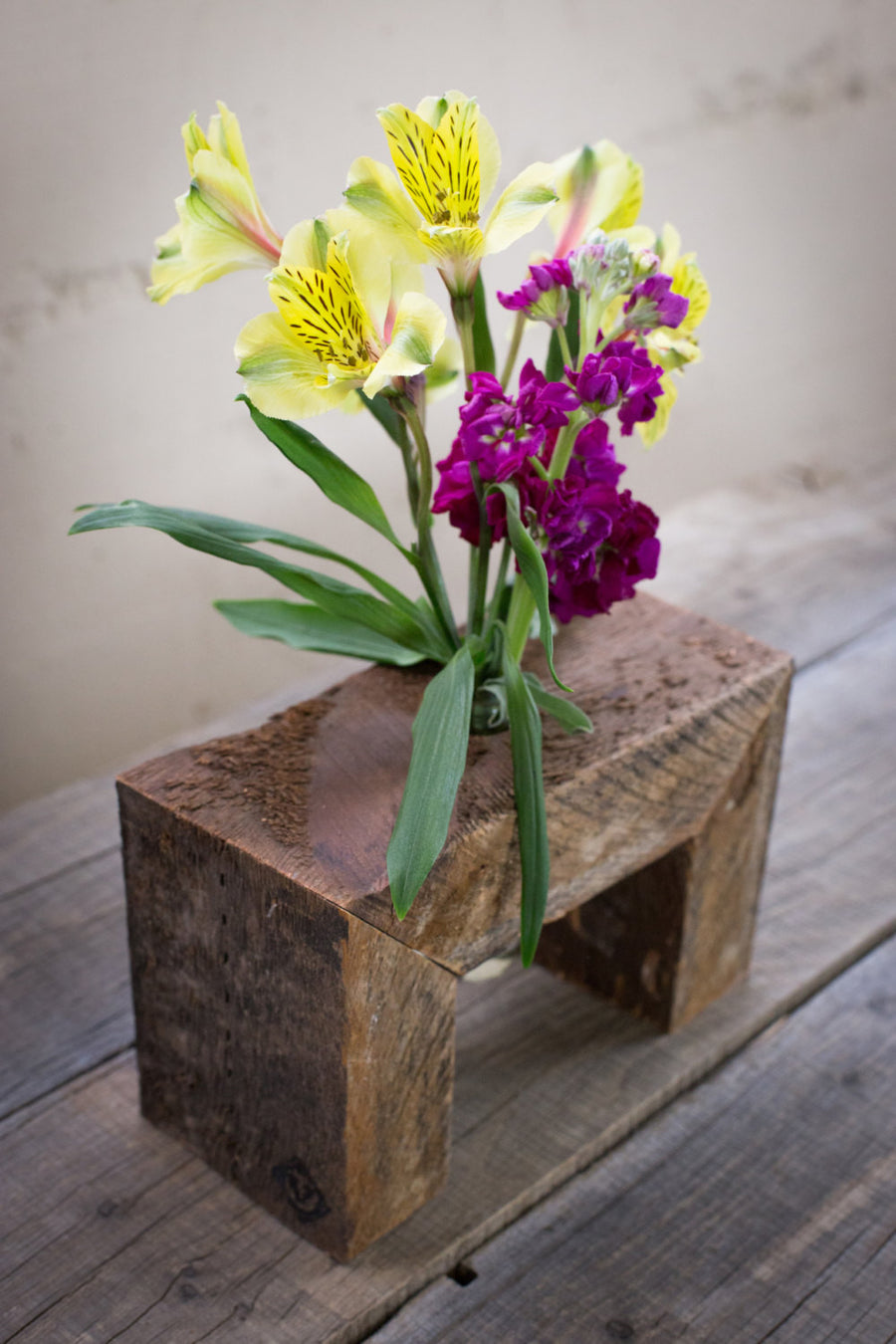 One Bottle Floating Wood Flower Stand