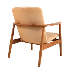 #433 Lounge Chair by Arne Vodder