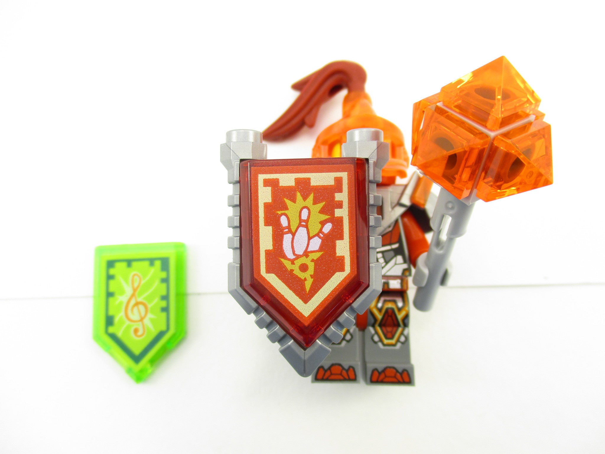 LEGO Nexo Knights Macy Minifigure 70352 Mini Fig + 2 Nexo Powers Season 3