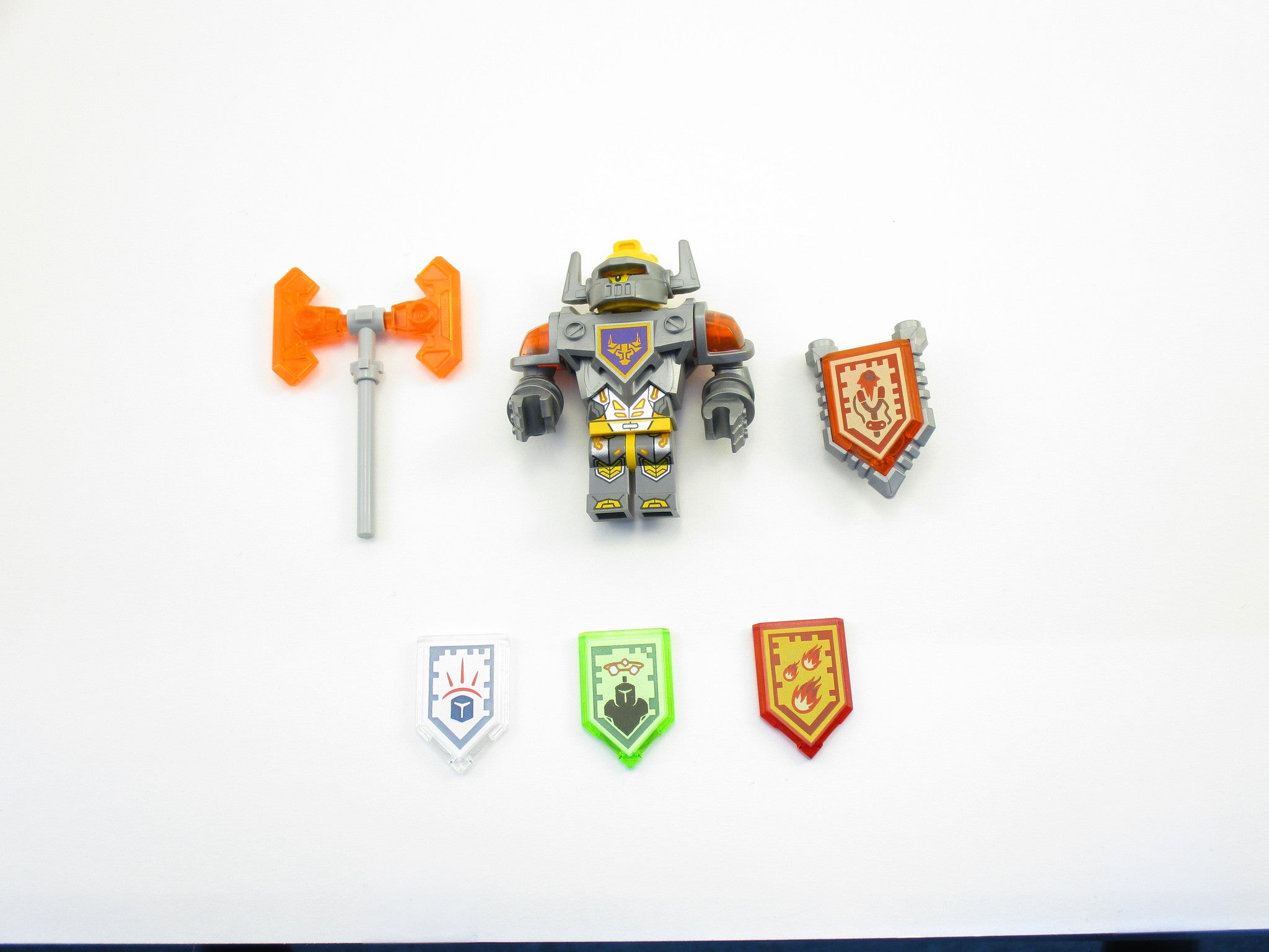 LEGO Nexo Knights Axl with 4 Nexo Powers Minifigure 70322 Mini Fig