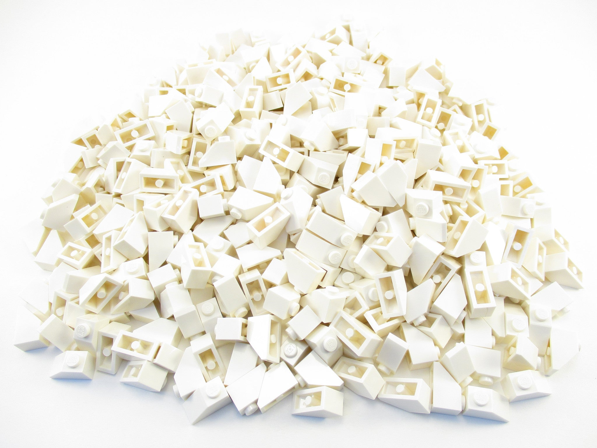 LEGO White Slope 45 2x1 Lot of 100 Parts Pieces 3040