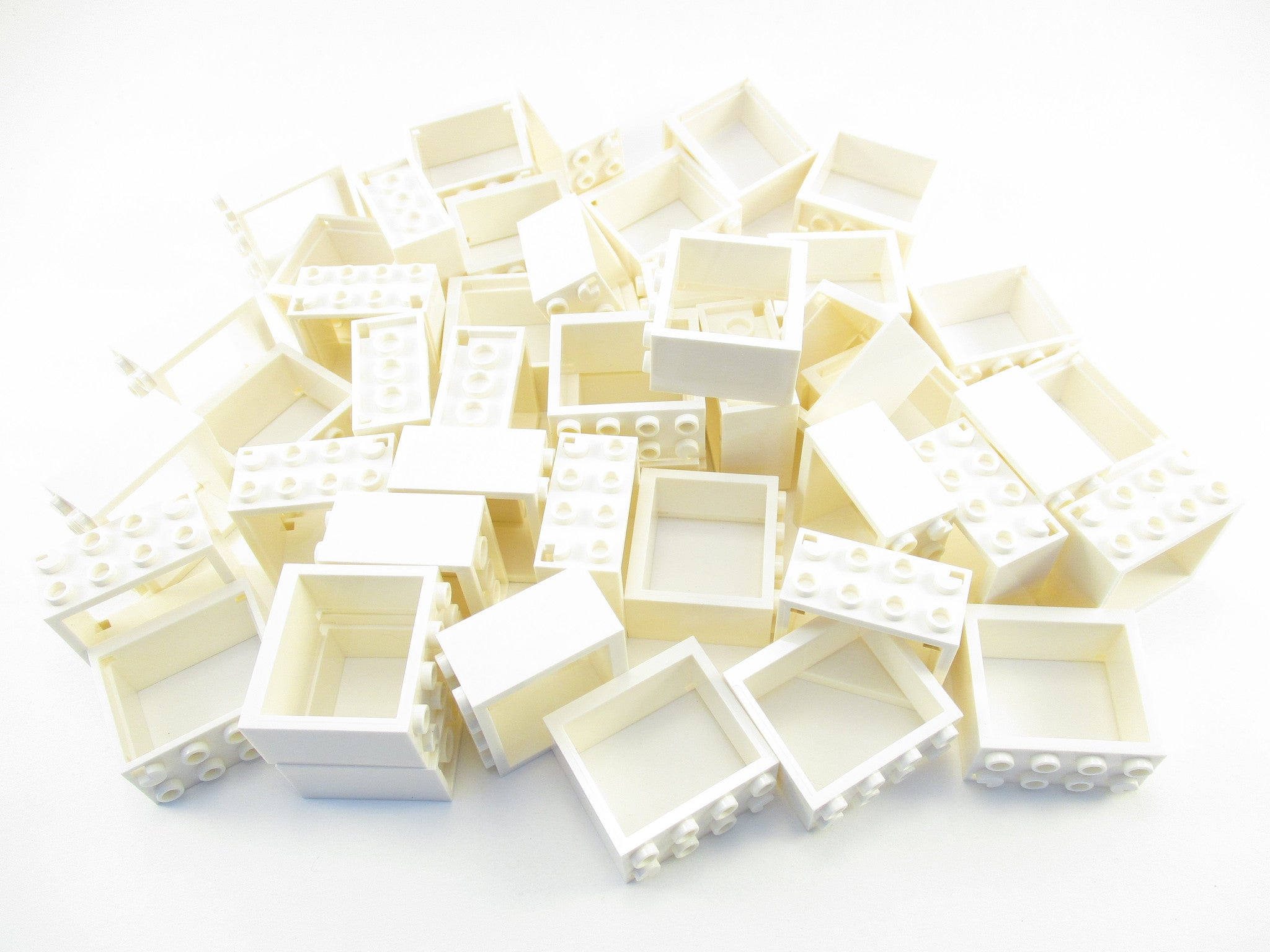 LEGO White Window 2 x 4 x 3 Frame Lot of 25 Parts Pieces 60598