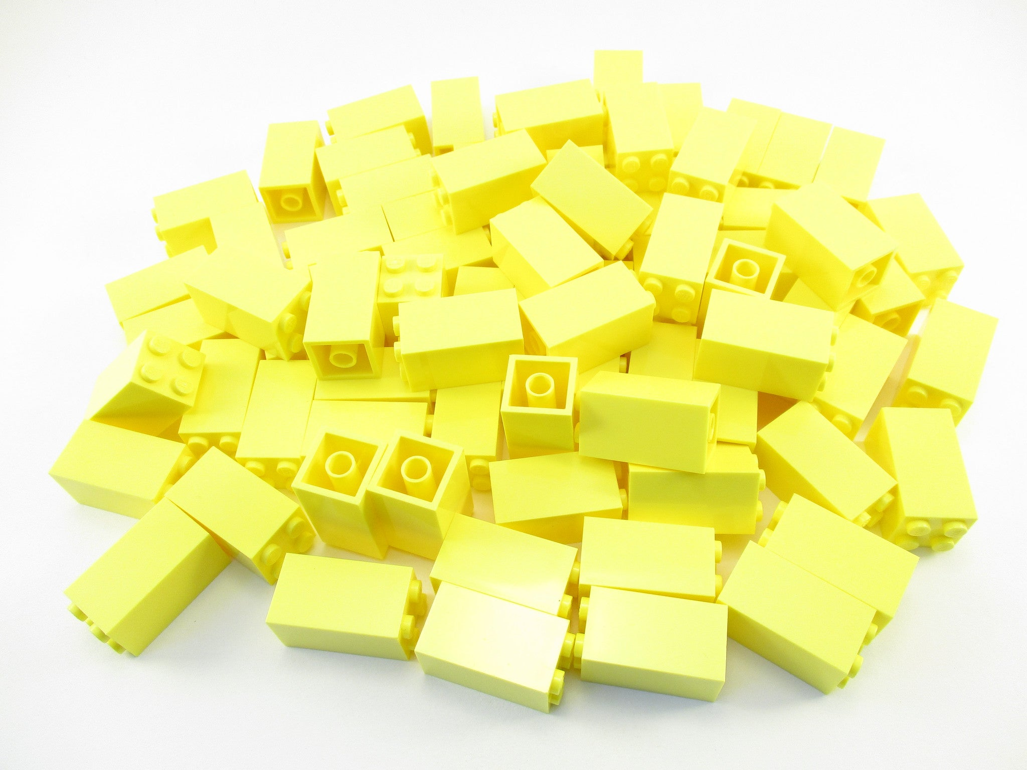 LEGO Bright Light Yellow Brick 2x2x3 Lot of 50 Parts Pieces 30145