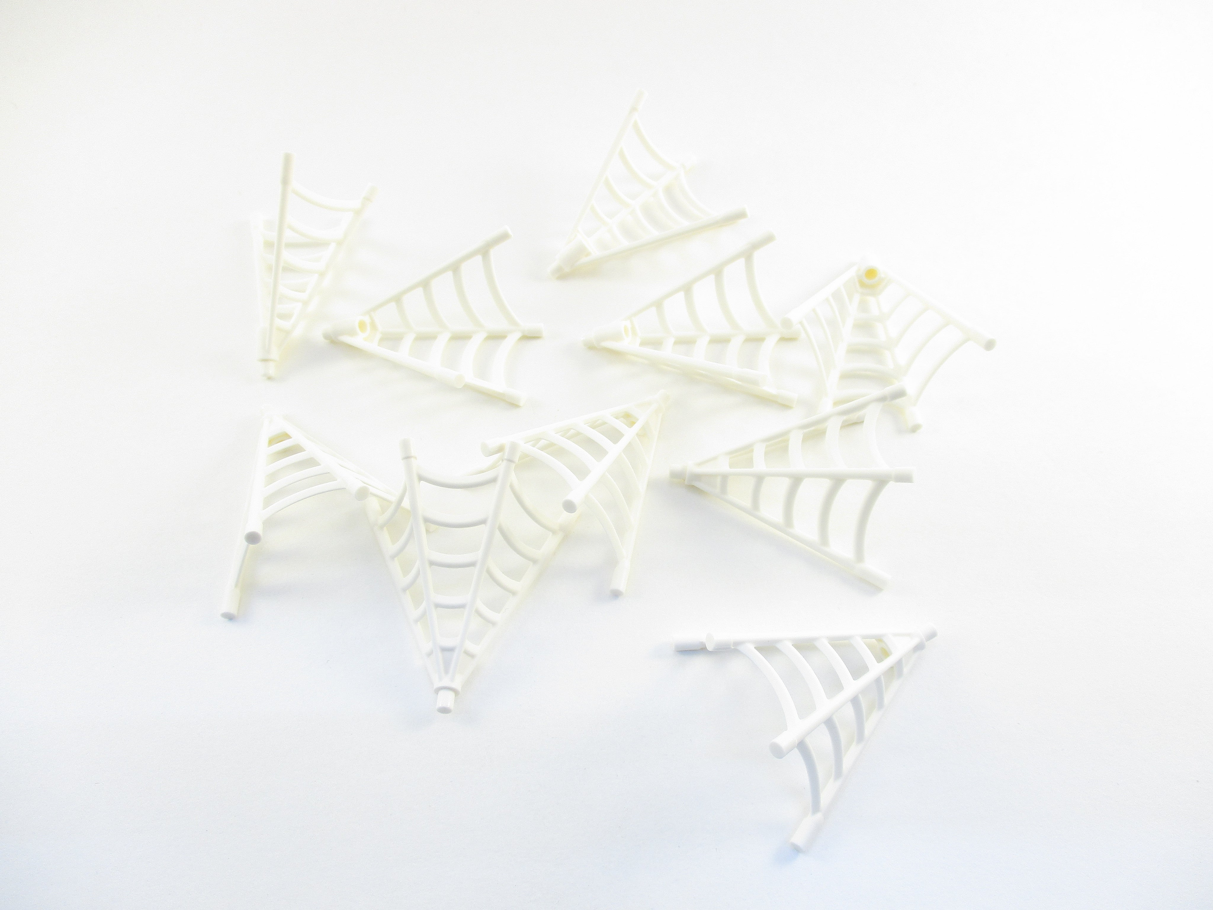 LEGO White Minifig Weapon Spider Web Half-Cone Shaped Lot of 10 Parts Pieces 25895