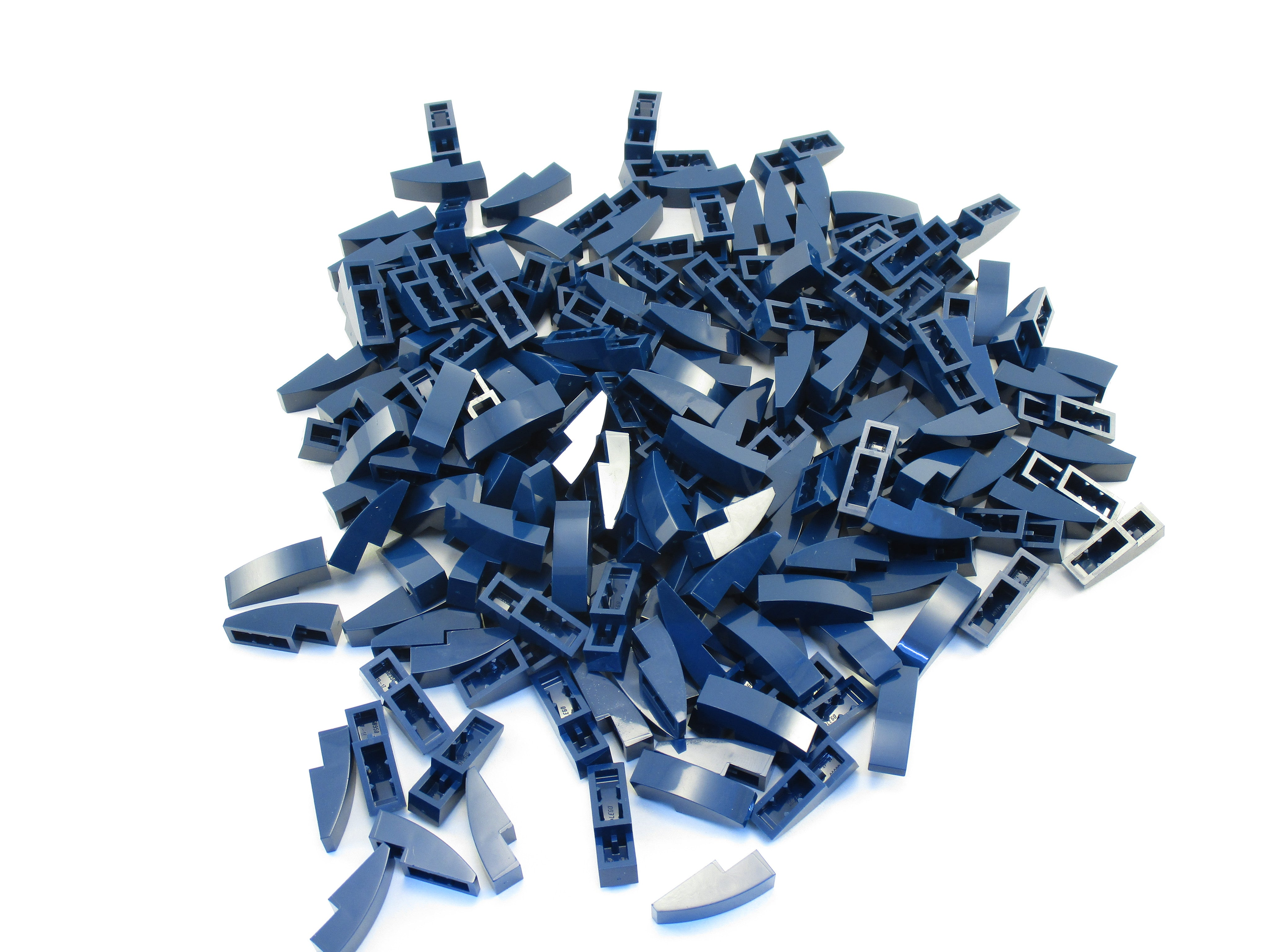 Lego Lot of 100 New Dark Blue Sloped Slopes Curved 3 x 1 No Studs  Parts