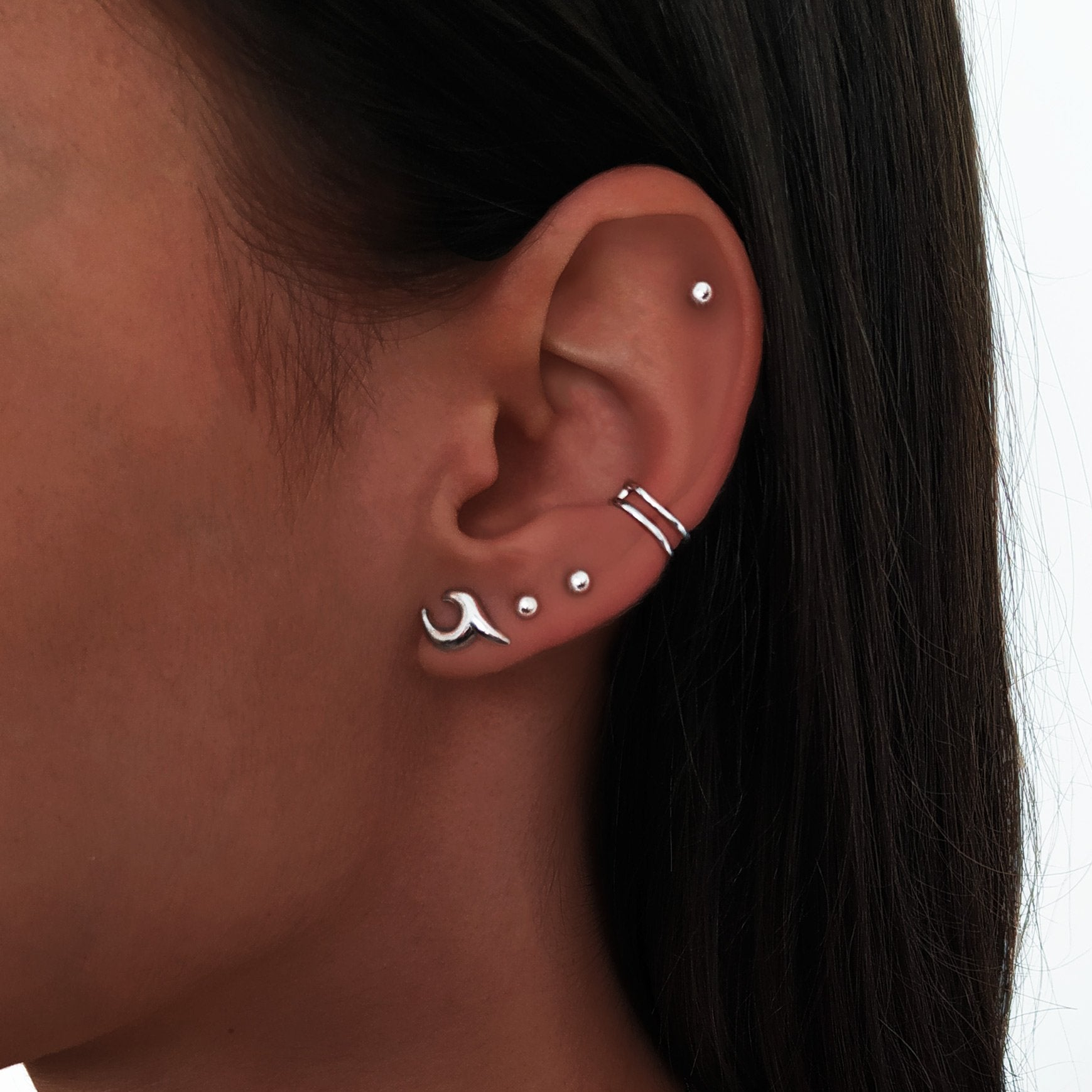 Pendientes Wave Plata con los Pendientes Dots 3mm e Ear Cuff Double Ring Plata