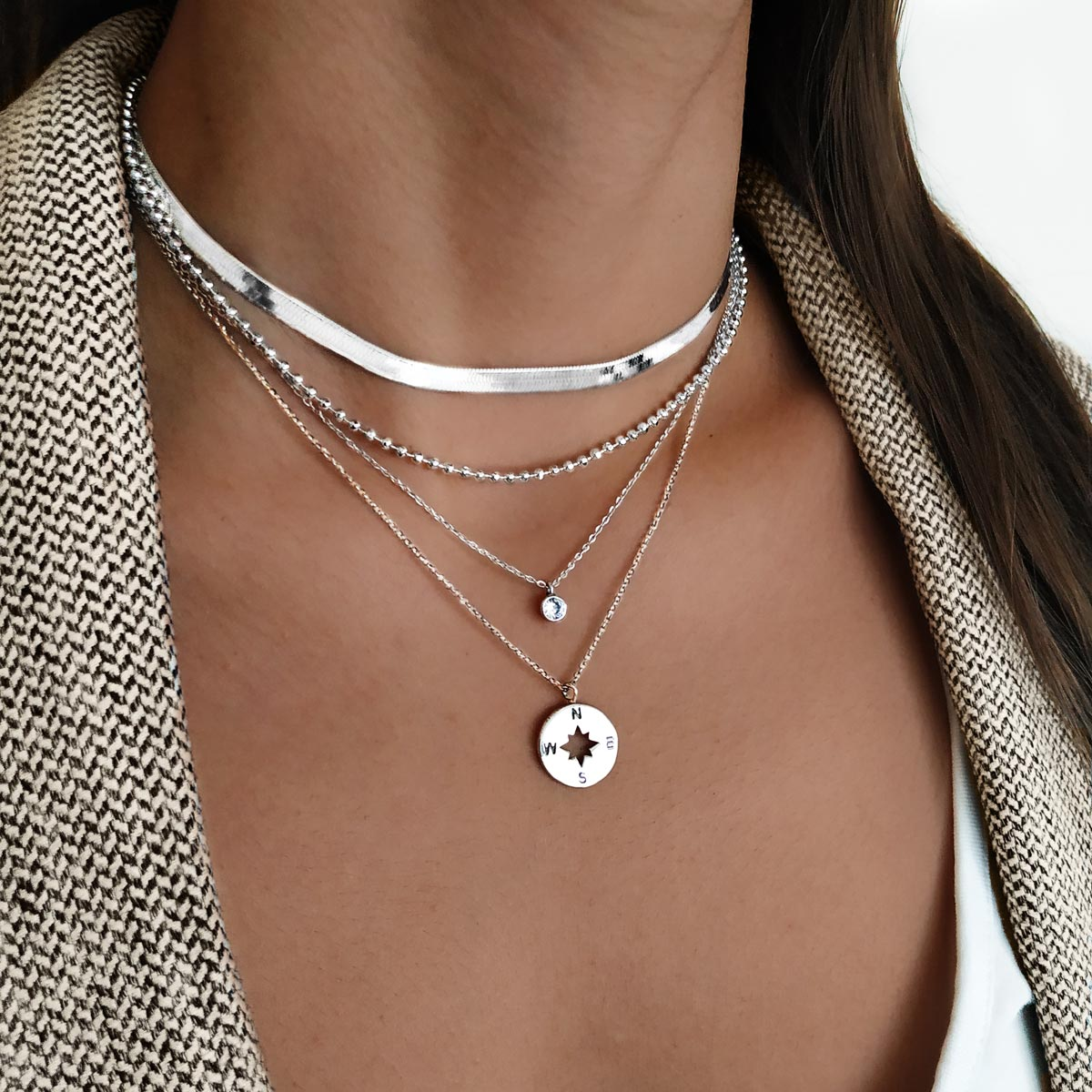 Collar Lisse Plata con los Collares Pebbles, Single Diamond y Rose des Vents