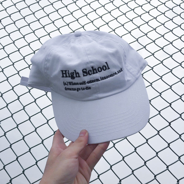HIGH SCHOOL HAT WHITE