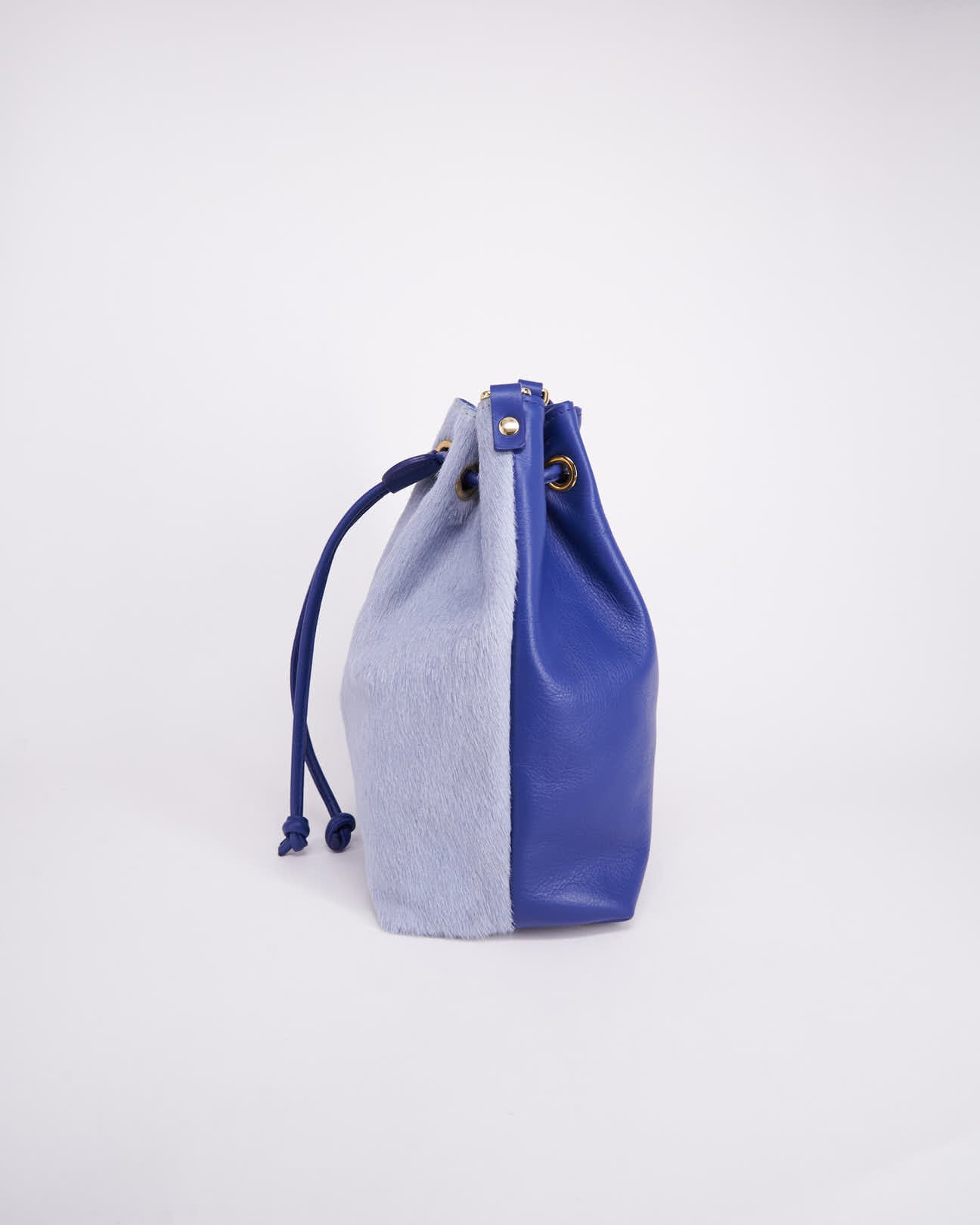 Bag-Nuo Sac-Nuovum-Leather-Blue-localdesigners-Barcelona-Nuovum-Handmade-side