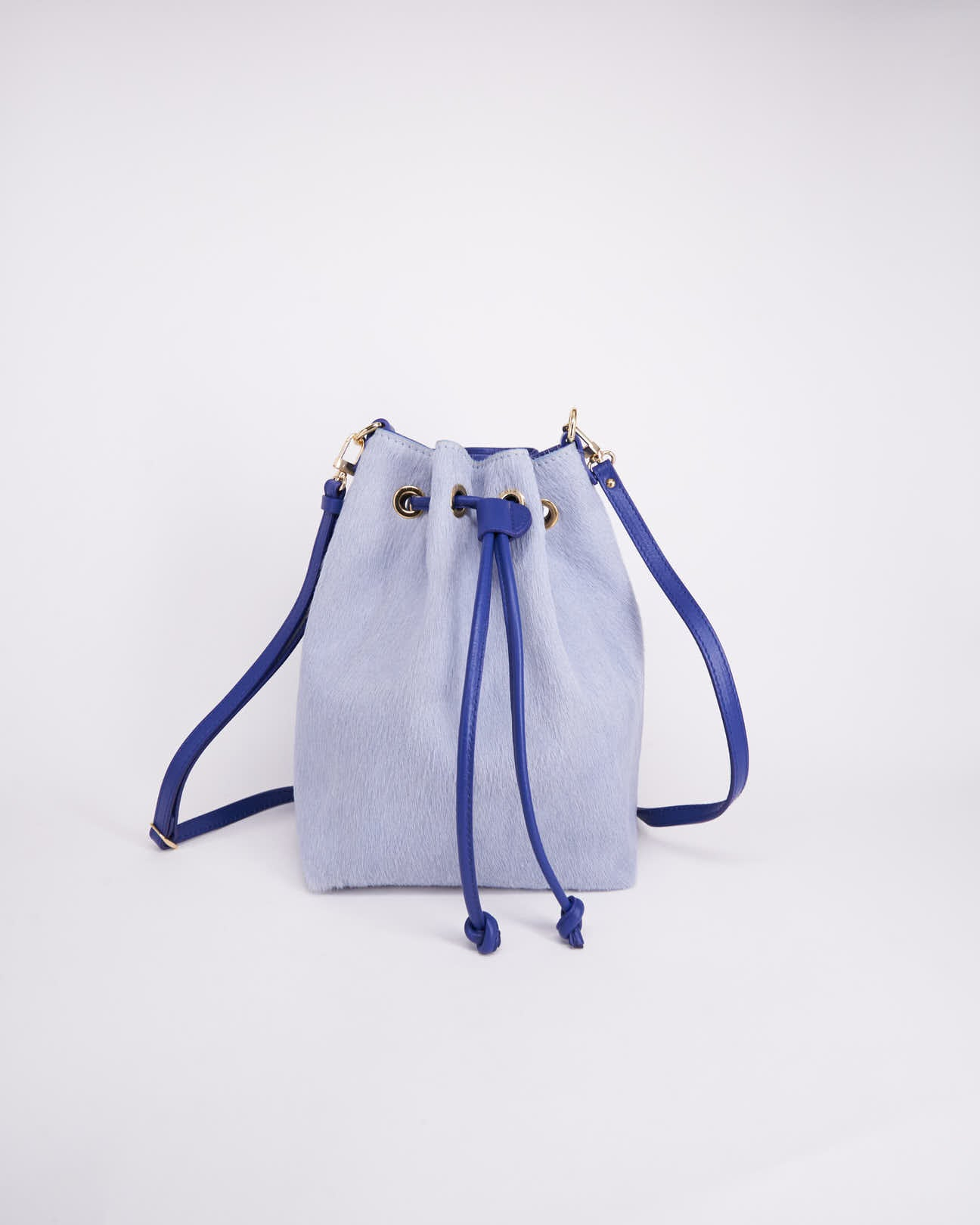 Bag-Nuo Sac-Nuovum-Leather-Blue-localdesigners-Barcelona-Nuovum-Handmade-longstrap