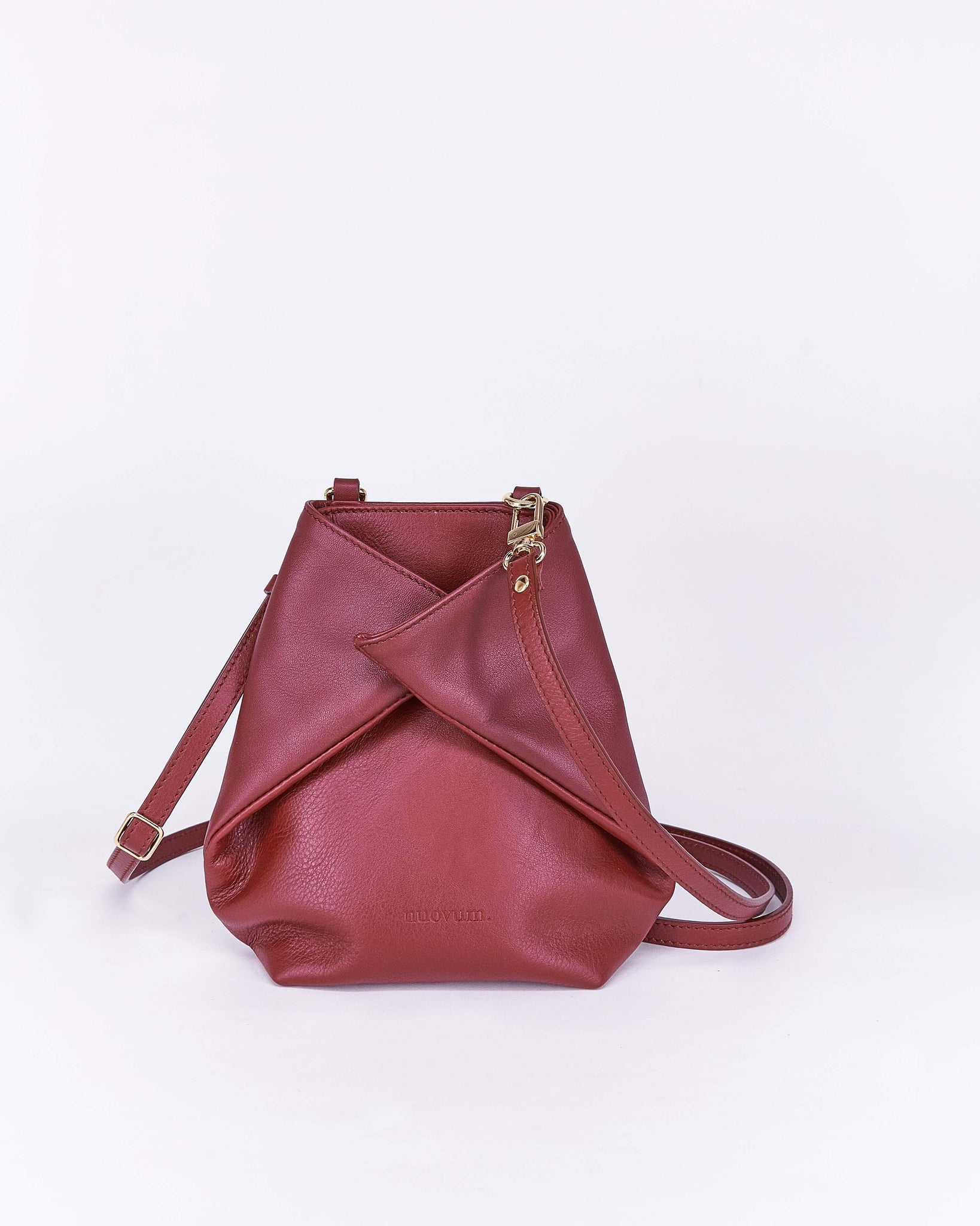 Candy-Burgundy-Leather-Designbynuovum-Localdesigners-Barcelona-Front2