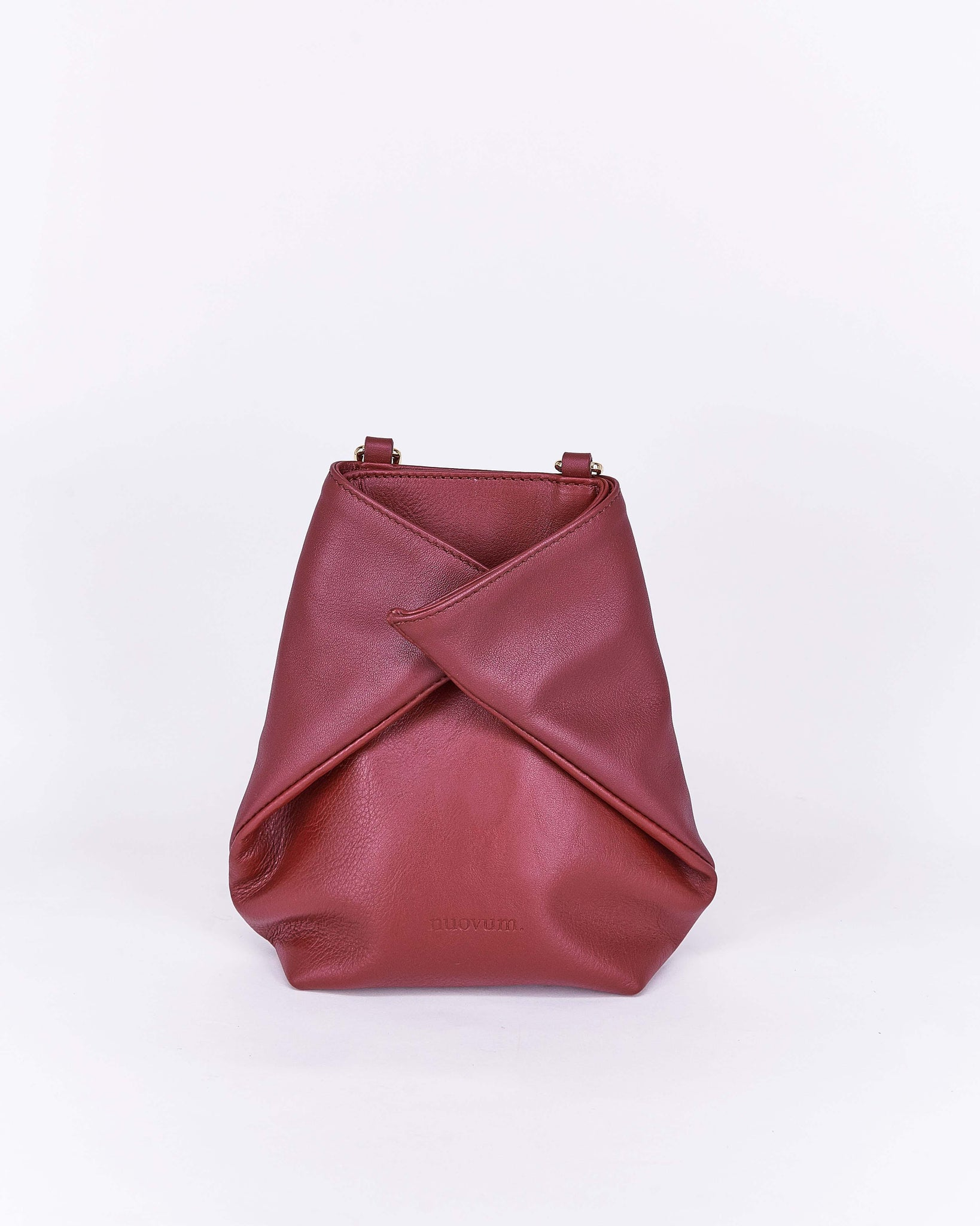 Candy-Burgundy-Leather-Designbynuovum-Localdesigners-Barcelona-Front