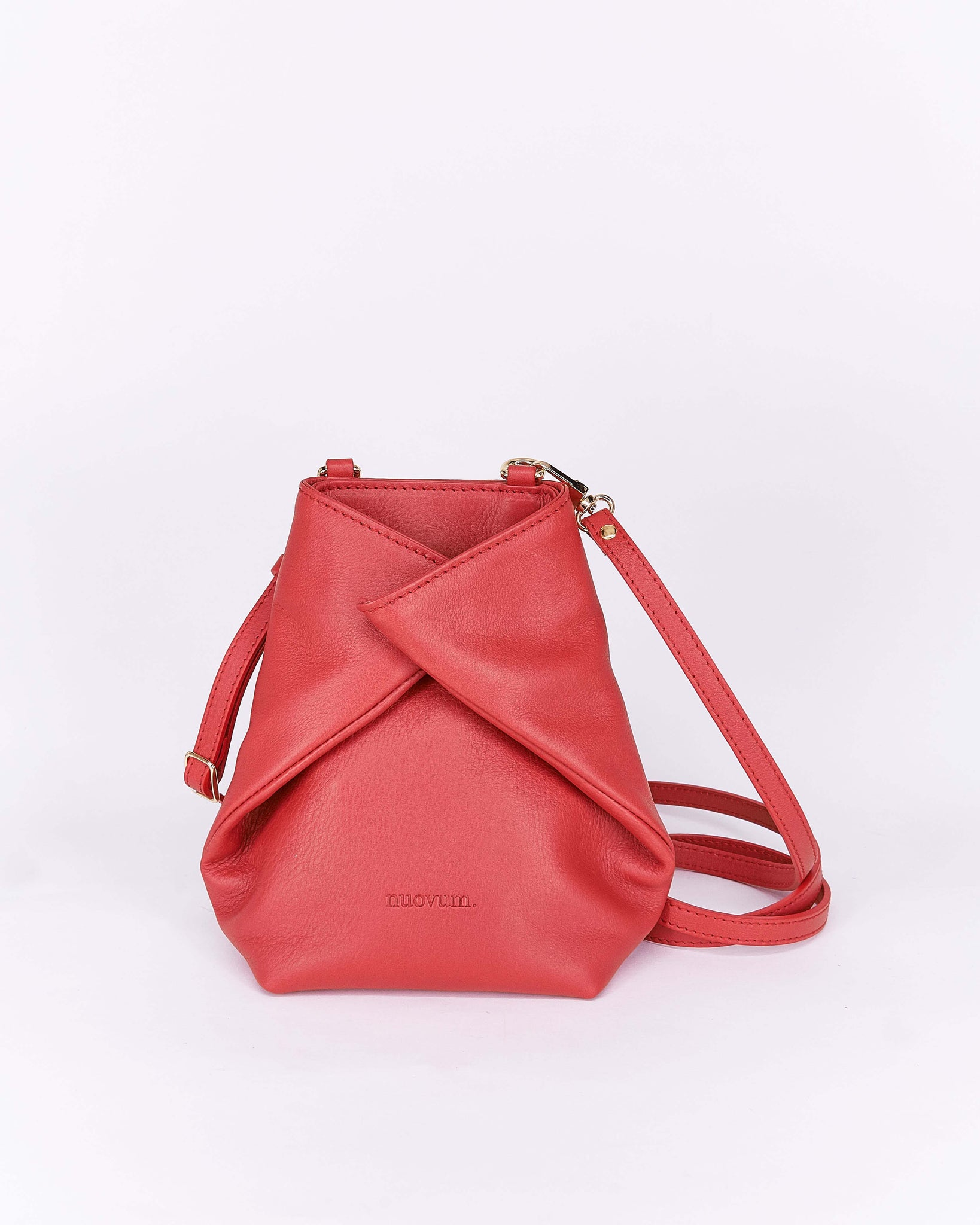 Candy-Red-Leather-Designbynuovum-Localdesigners-Barcelona-Front2
